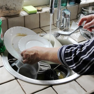 Dagbesteding Buitenleven_klusjes_afwassen